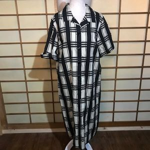 Vintage volup 50s shift dress plus black white